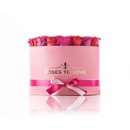 Colección DIAMANTE: El regalo perfecto para una persona especial 🌹Compuesta por 30 rosas preservadas, colocadas sobre una caja Deluxe en color rosado 👉 Podrás personalizar la caja hasta con dos rosas de distinto color 😍 ¿ya has pensado a quien quieres hacer sonreír?#rosestolove #rosaspreservadas #rosaseternas #eternityroses #regalosespeciales #regalarosas #rosasespaña #rosaspreservadasespaña #rosasonline #love #handmade #rosas #home #decohome #deco #nature #deco #decohome
